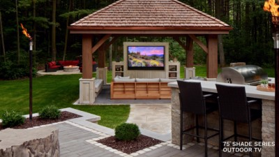 Outdoor and Poolside Entertainment