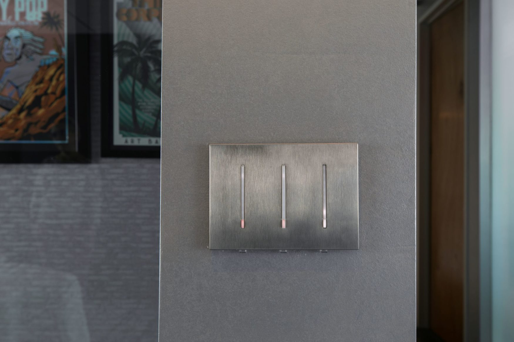 Lutron Grafik T Dimmer in Metal